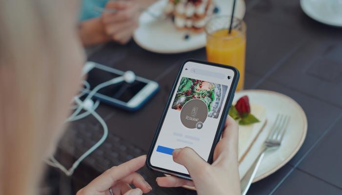 restauracja-w-social-media.png